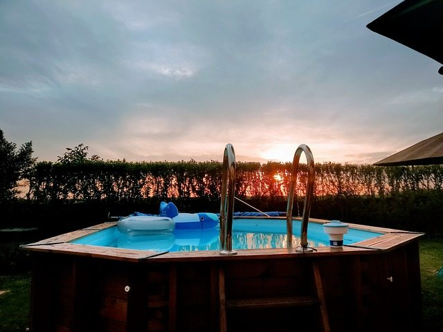How to Choose the Right Style of Fiberglass Pool and Installation